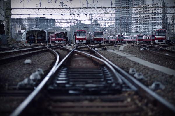 神奈川新町にある京急線の検車場の作例写真