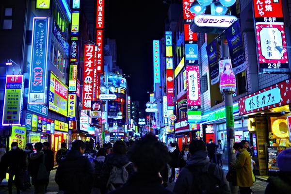 ケミカルネオンの渋谷センター街の作例写真