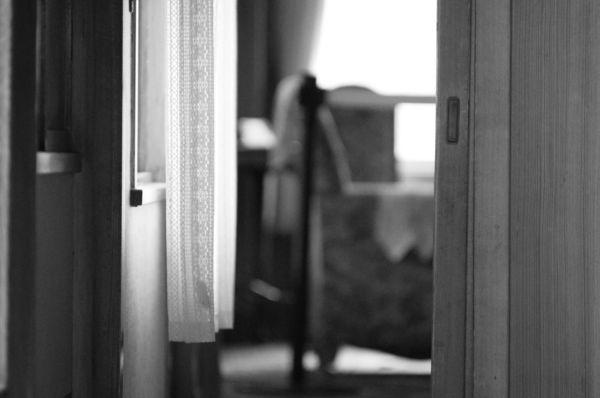 柔らかな光を湛えるカーテンの作例写真