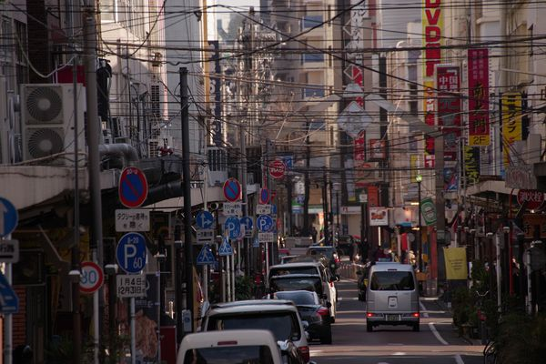 福富町の雑多な通りの作例写真