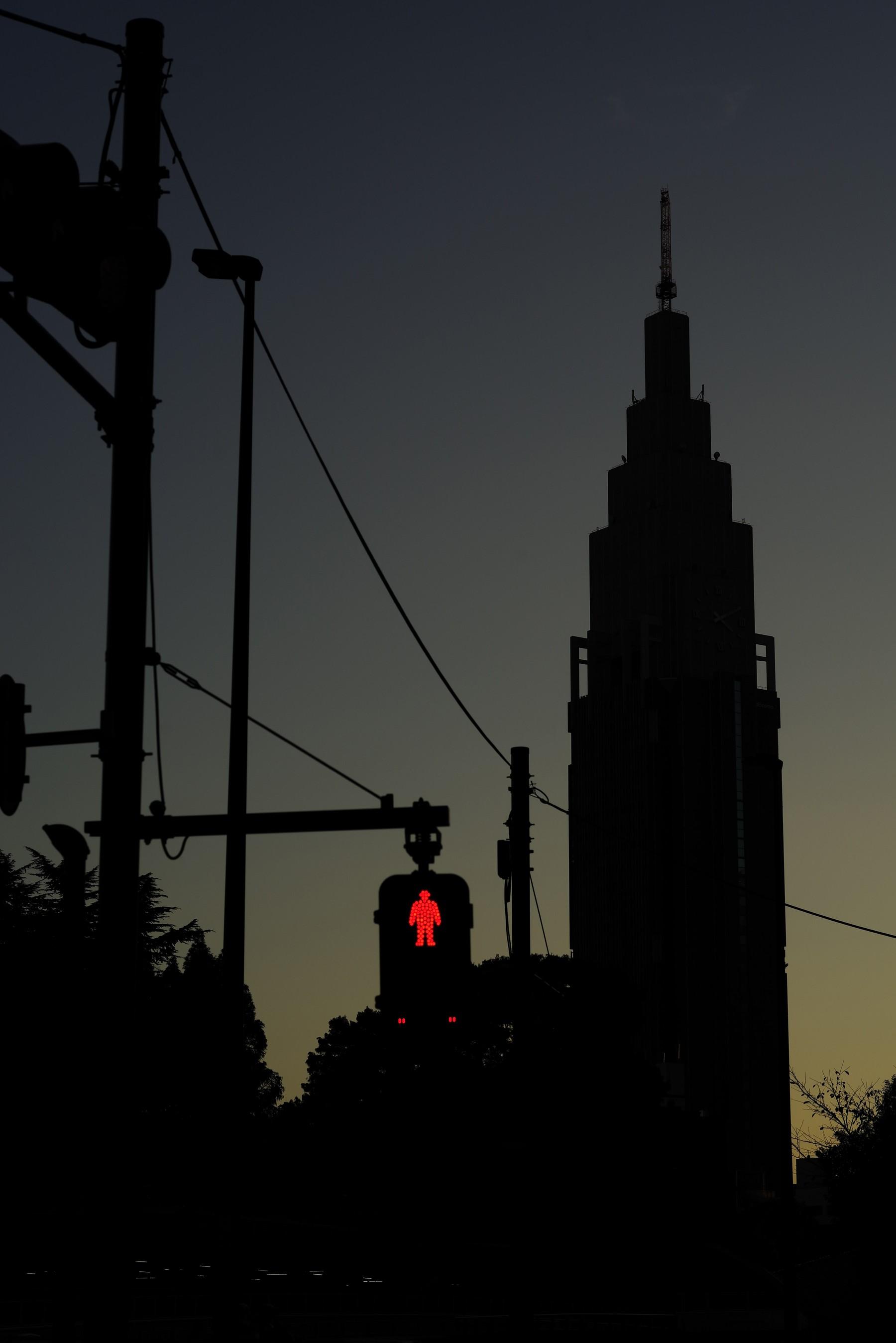 夕暮れリバーサルとドコモタワーの作例写真