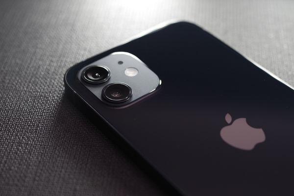 iPhone 12 のデュアルカメラの作例写真