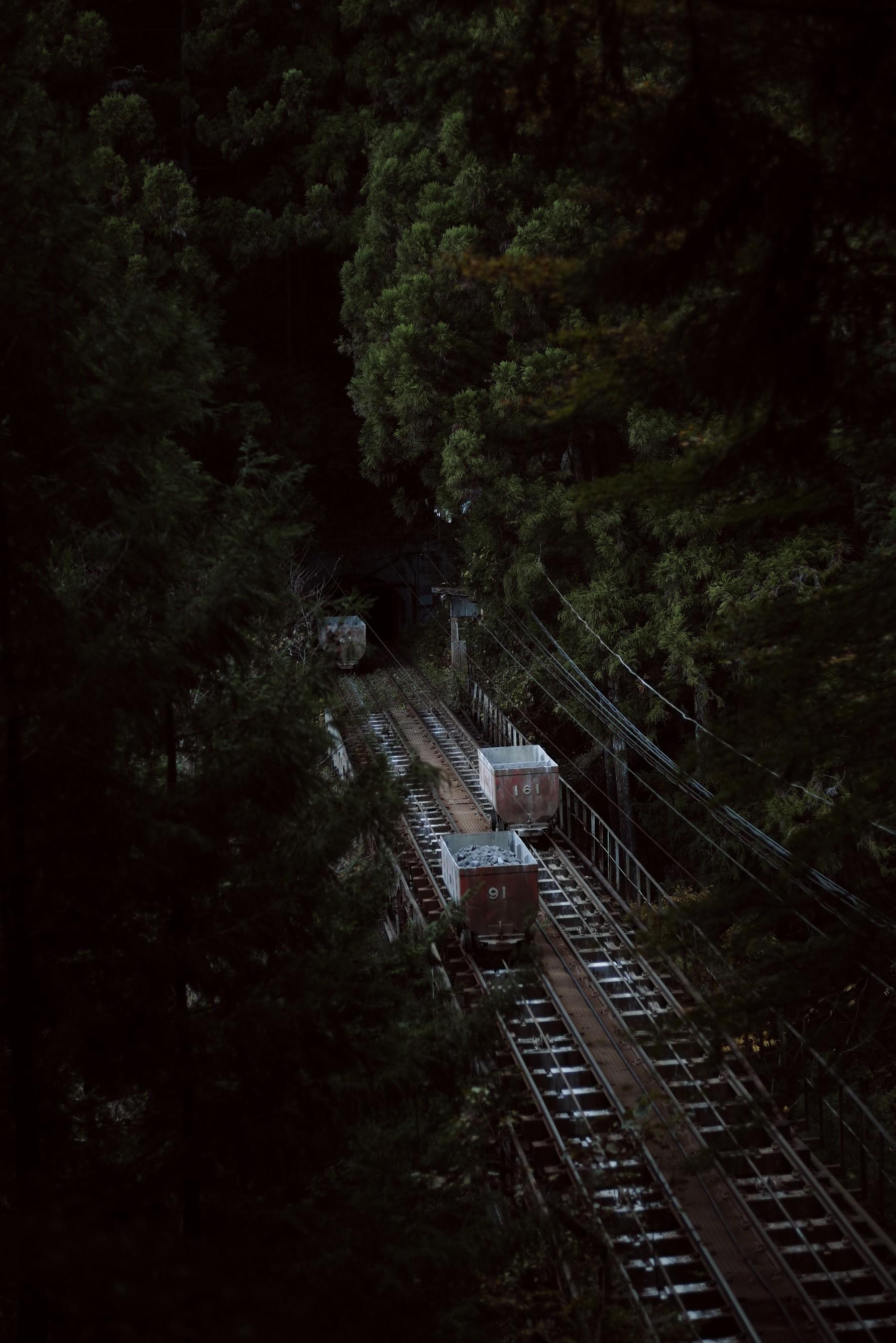 奥多摩の鉱山用無人トロッコの作例写真
