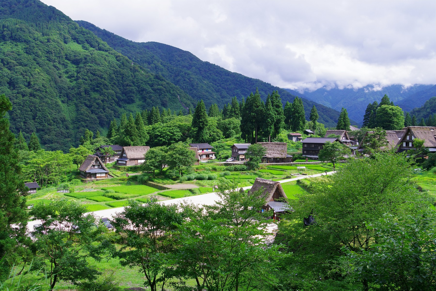 相倉集落(五箇山合掌造り集落)の作例写真