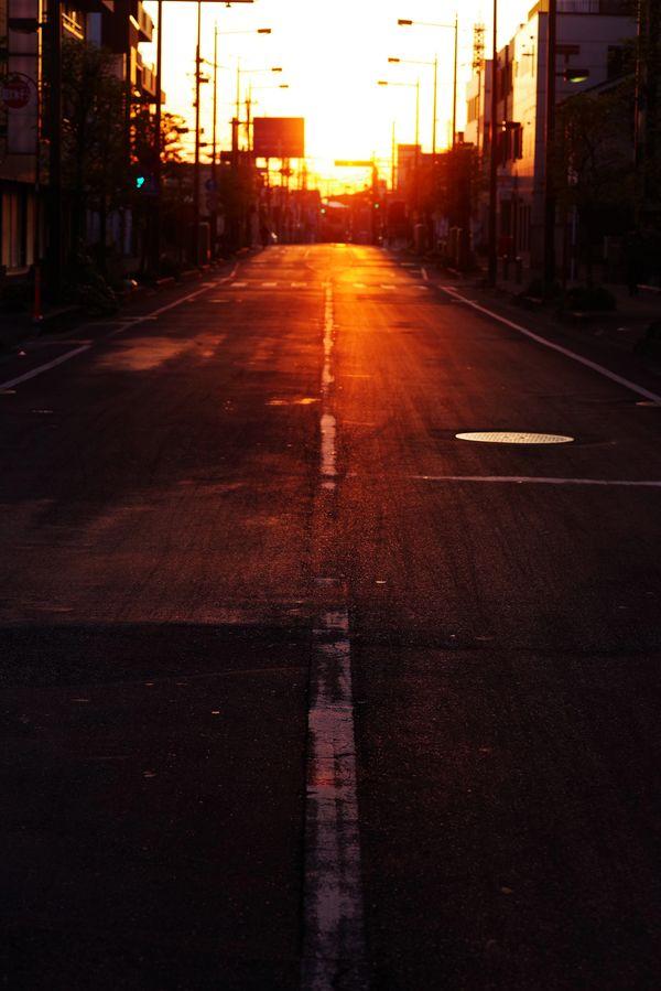 夜明けの直線の作例写真